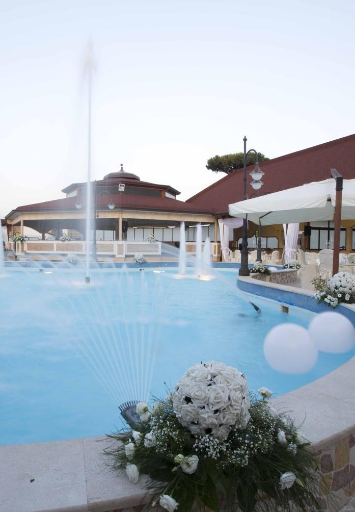 Ristorante con piscina per cerimonie ed eventi a napoli for Piscina a napoli